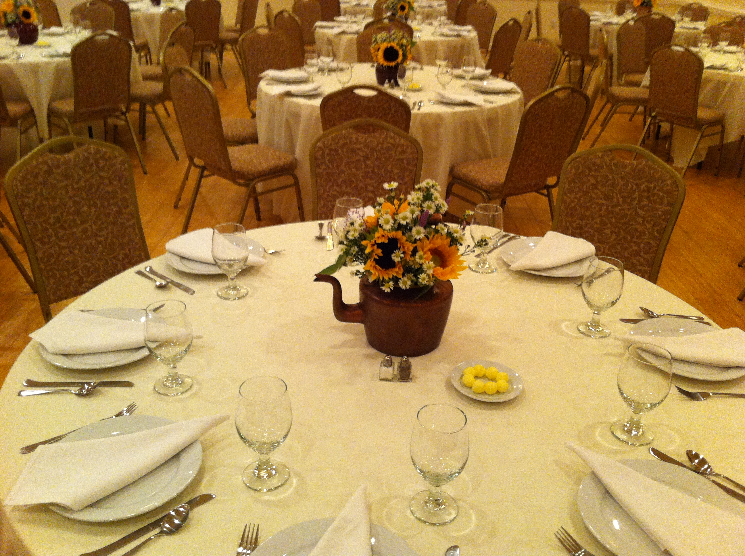 Table Set Up (full view) ... & BANQUET HALL : Hope Valley Diner